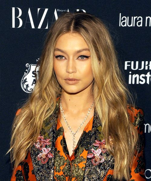 Gigi Hadid Long Wavy Casual - side on view