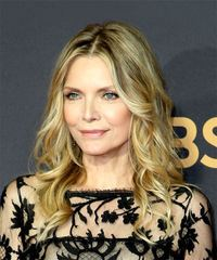 Michelle Pfeiffer Medium Wavy Casual  - Medium Blonde - side on view
