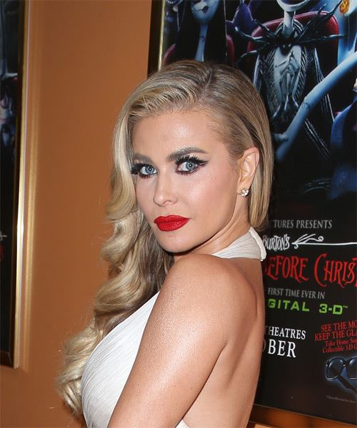 Carmen Electra Long Wavy Casual Hairstyle - Light Blonde Hair Color - side on view