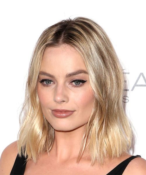 Margot Robbie Medium Wavy Casual Bob Hairstyle - Light Blonde Hair Color - side on view