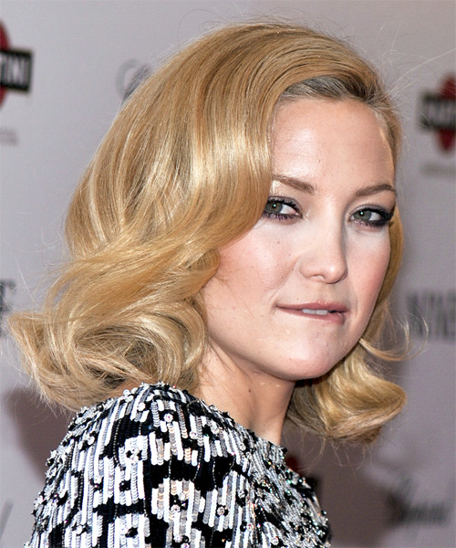 Kate Hudson Medium Wavy Hairstyle - side view