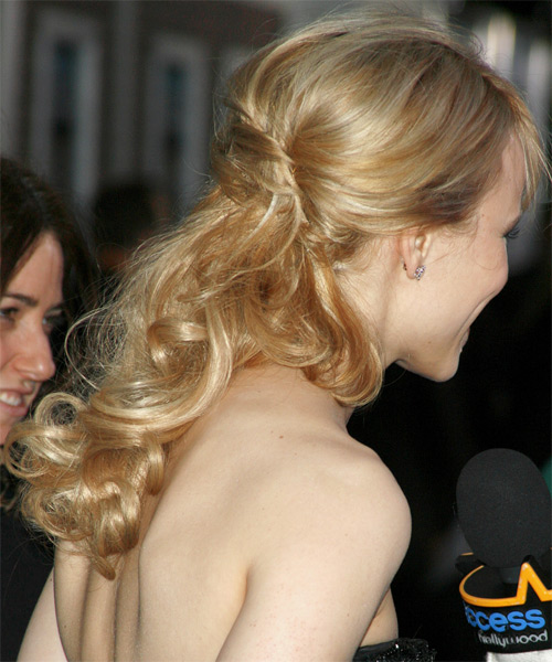 Rachel McAdams - Formal Half Up Long Curly Hairstyle - side view