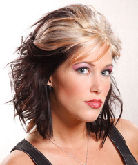 Alternative Medium Wavy Hairstyle - click to view hairstyle information
