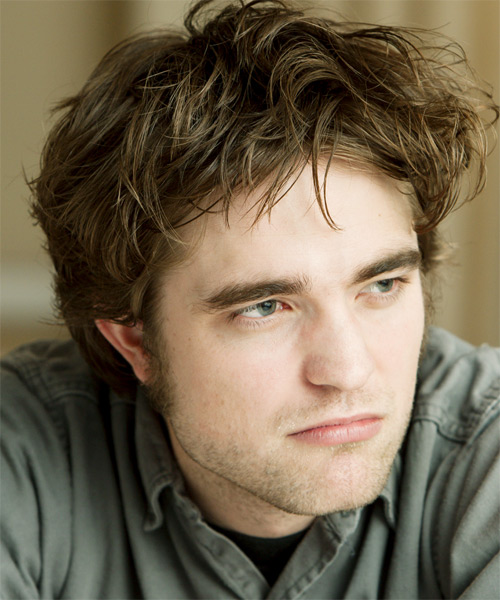 Robert Pattinson Medium Straight Hairstyle - side view 2