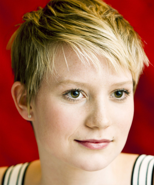 Mia Wasikowska Short Straight Casual Hairstyle - side on view