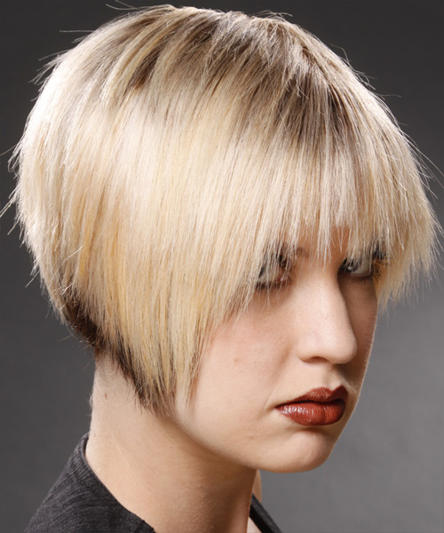 Short Straight Casual Hairstyle - Light Blonde (Champagne) Hair Color - side on view