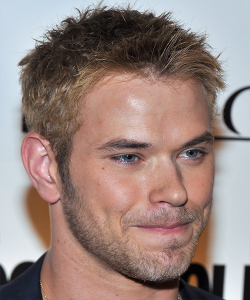 Kellan Lutz Short Straight Casual Hairstyle - Dark Blonde (Ash) Hair Color - side on view