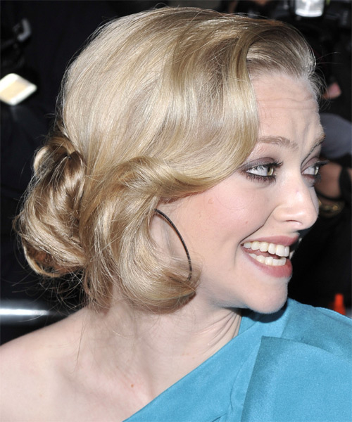 Amanda Seyfried Curly Formal Updo Hairstyle - Light Blonde (Honey) Hair Color - side on view