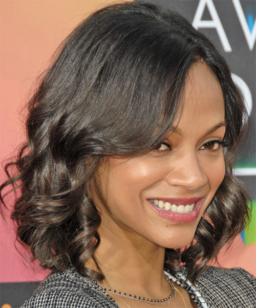Zoe Saldana Medium Wavy Hairstyle - side view 2
