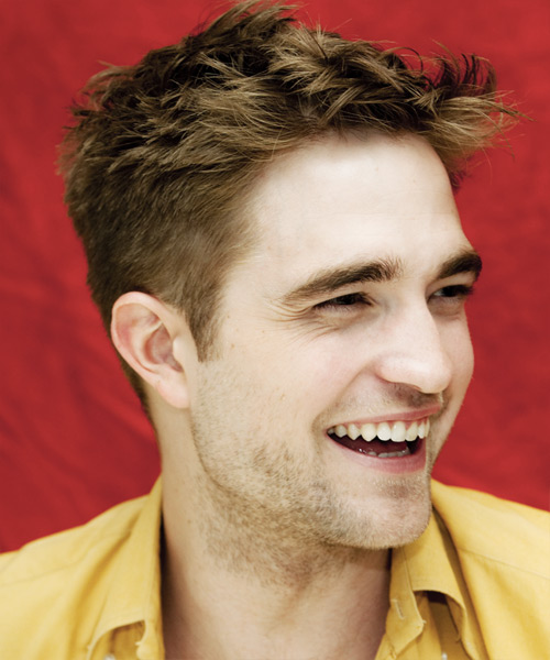 Robert Pattinson Short Straight Hairstyle - Light Brunette (Caramel) - side view