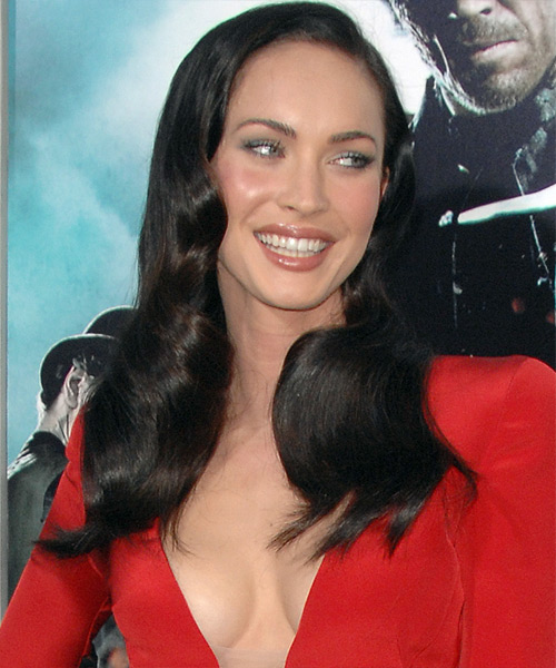 Megan Fox Long Wavy Hairstyle - side view 2