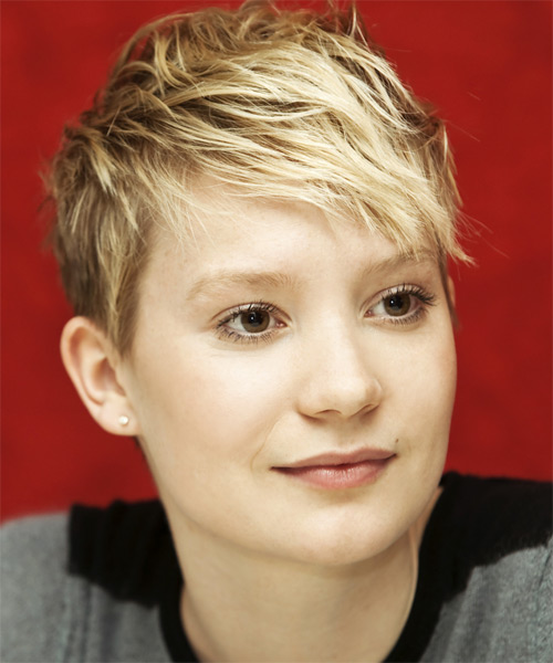 Mia Wasikowksa - Casual Short Straight Hairstyle - side view