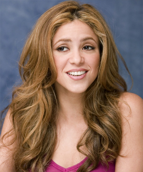 Shakira Long Wavy Hairstyle - side view 2