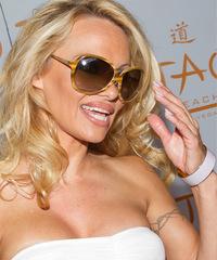 Pamela Anderson - Long Wavy - side view