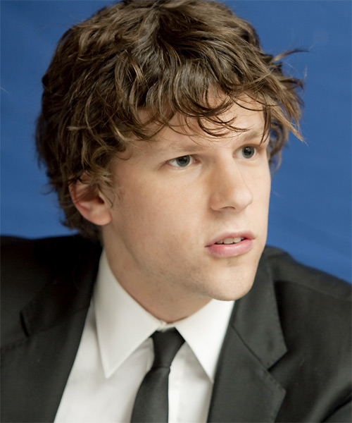 Jessie Eisenberg - Casual Short Curly Hairstyle - side view