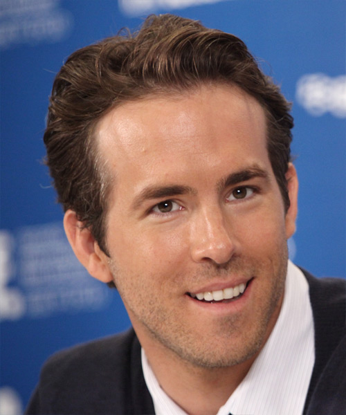 Ryan Reynolds - Casual Short Straight Hairstyle - side view