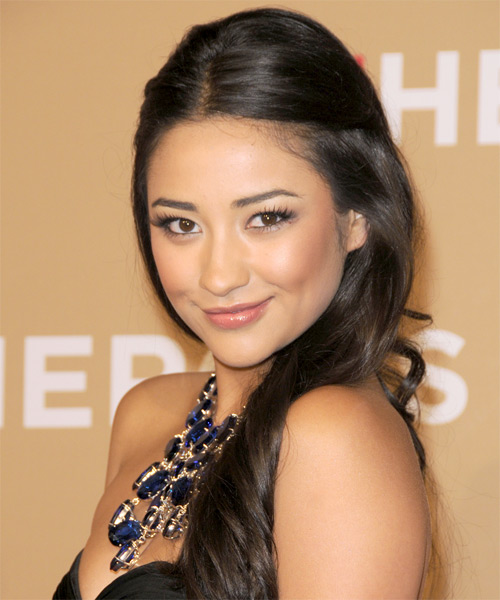 Shay Mitchell - Casual Half Up Long Curly Hairstyle - side view