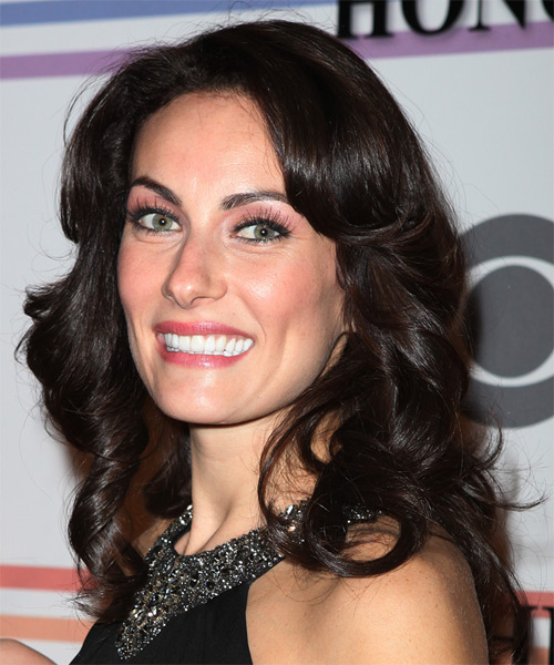Laura Benanti Long Wavy Hairstyle - side view 2