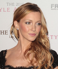 Katie Cassidy Hairstyle - click to view hairstyle information