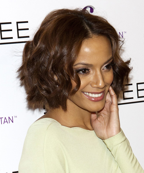 Selita Ebanks Medium Wavy Hairstyle - side view 2