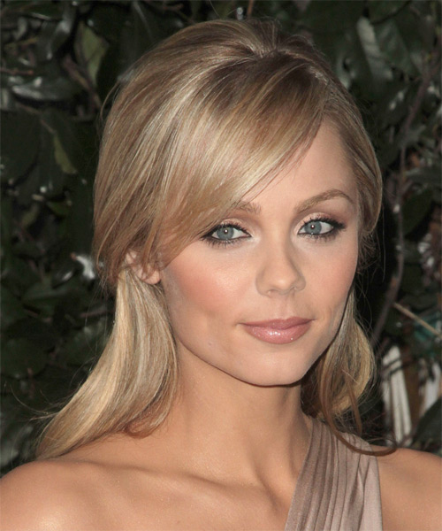 Laura Vandervoort  Half Up Long Straight Hairstyle - side view 2