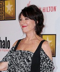 Katey Sagal Hairstyle - click to view hairstyle information