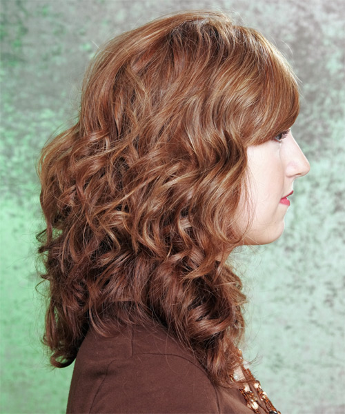 Long Wavy Casual Hairstyle - side view 2