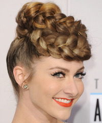 Amy Heidermann Hairstyle - click to view hairstyle information