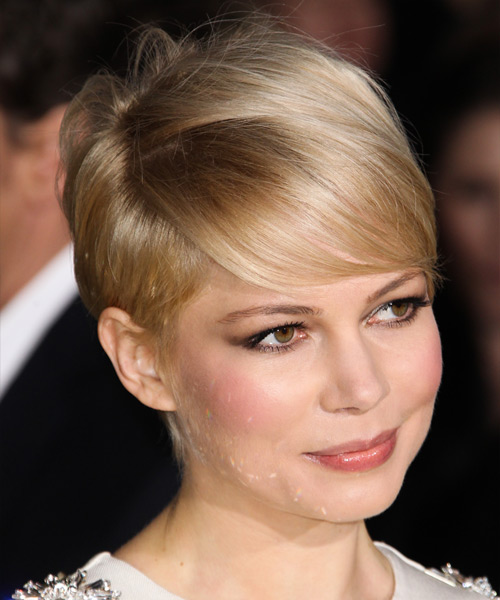 Michelle Williams Short Straight Formal Hairstyle with Side Swept Bangs - Light Blonde (Champagne) Hair Color - side on view