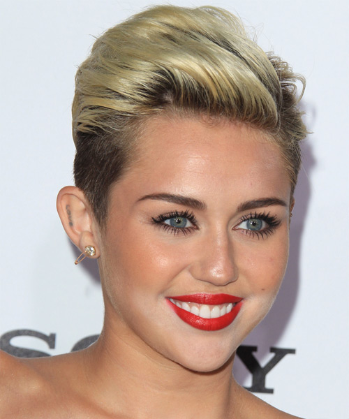 Miley Cyrus Short Straight Hairstyle - side view 2