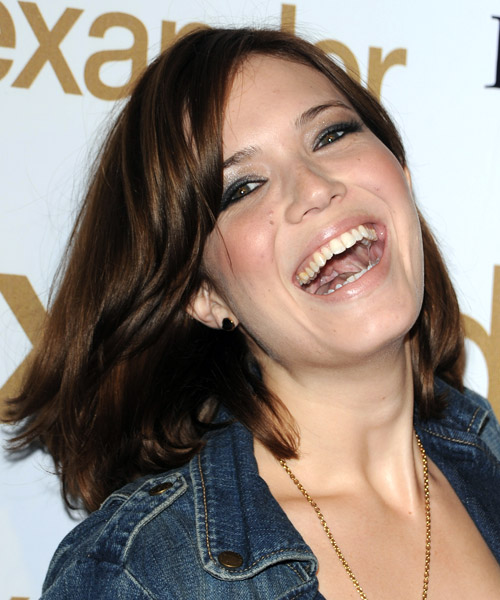 Mandy Moore Medium Straight Casual Bob Hairstyle with Side Swept Bangs - Medium Brunette (Auburn) Hair Color - side on view