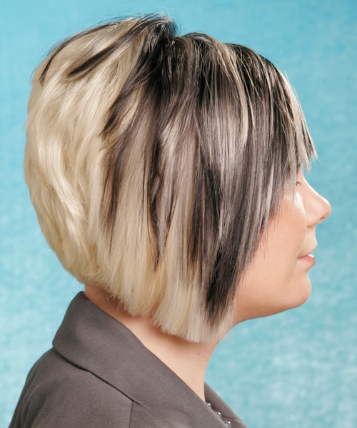 Short Straight Alternative Hairstyle - side view 2