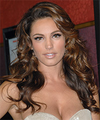 Kelly Brook Hairstyle - click to view hairstyle information