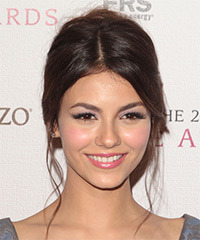 Victoria Justice Hairstyle - click to view hairstyle information