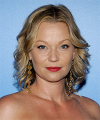 Samantha Mathis Hairstyle