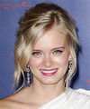 Sara Paxton Hairstyles