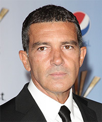 Antonio Banderas Hairstyle - click to view hairstyle information