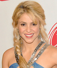 Shakira - Half Up Long Curly