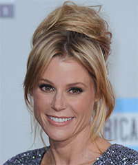Julie Bowen Hairstyle - click to view hairstyle information