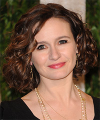 Emily Mortimer Hairstyle - click to view hairstyle information