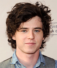 Charlie McDermott Hairstyle - click to view hairstyle information