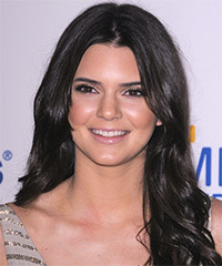 Kendall Jenner Hairstyle - click to view hairstyle information