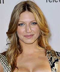 Jes Macallan  Hairstyle - click to view hairstyle information