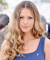Petra Nemcova Hairstyle - click to view hairstyle information