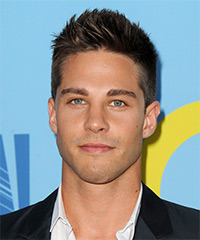 Dean Geyer Hairstyle - click to view hairstyle information