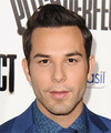 Skylar Astin Hairstyles