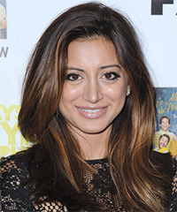 Noureen DeWulf Hairstyle - click to view hairstyle information