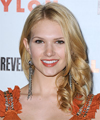 Claudia Lee Hairstyle - click to view hairstyle information