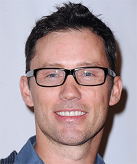 Jeffrey Donovan Hairstyle - click to view hairstyle information