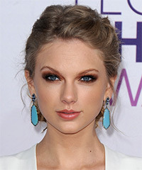Taylor Swift - Updo Long Curly